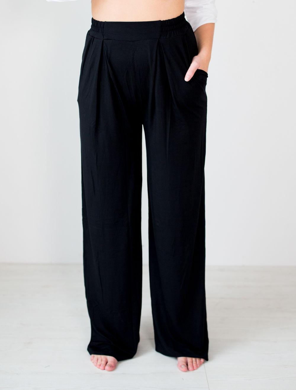 BLAA LOGAN PANTS, BLACK (lahkeen sisämitta 76cm)