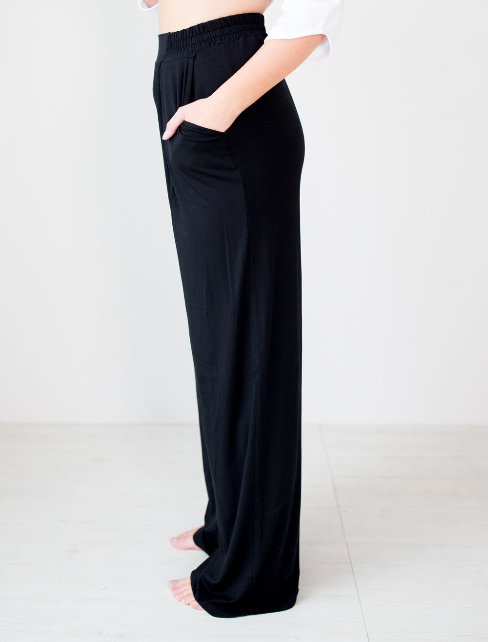 BLAA LOGAN PANTS, BLACK (lahkeen sisämitta 82cm)